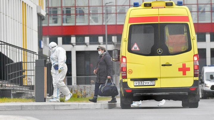 «Дедушка крепкий, никак не сдохнет»: Труженика тыла с пневмонией вывезли умирать к дверям больницы
