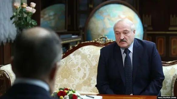 «Вылез как черт из табакерки»: эксперт разоблачил Лукашенко